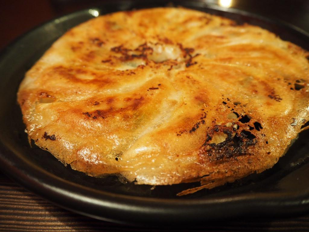 肉汁たっぷりの焼き餃子